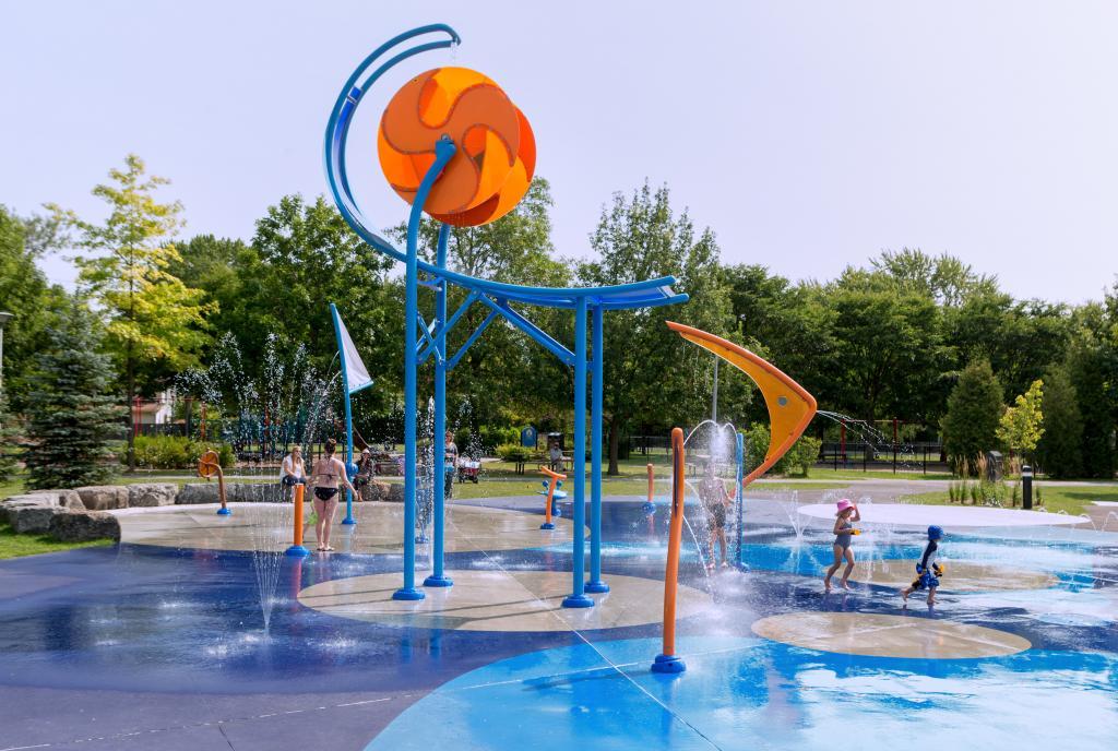 Vortex Aquatic Structure - Parc Valois Project