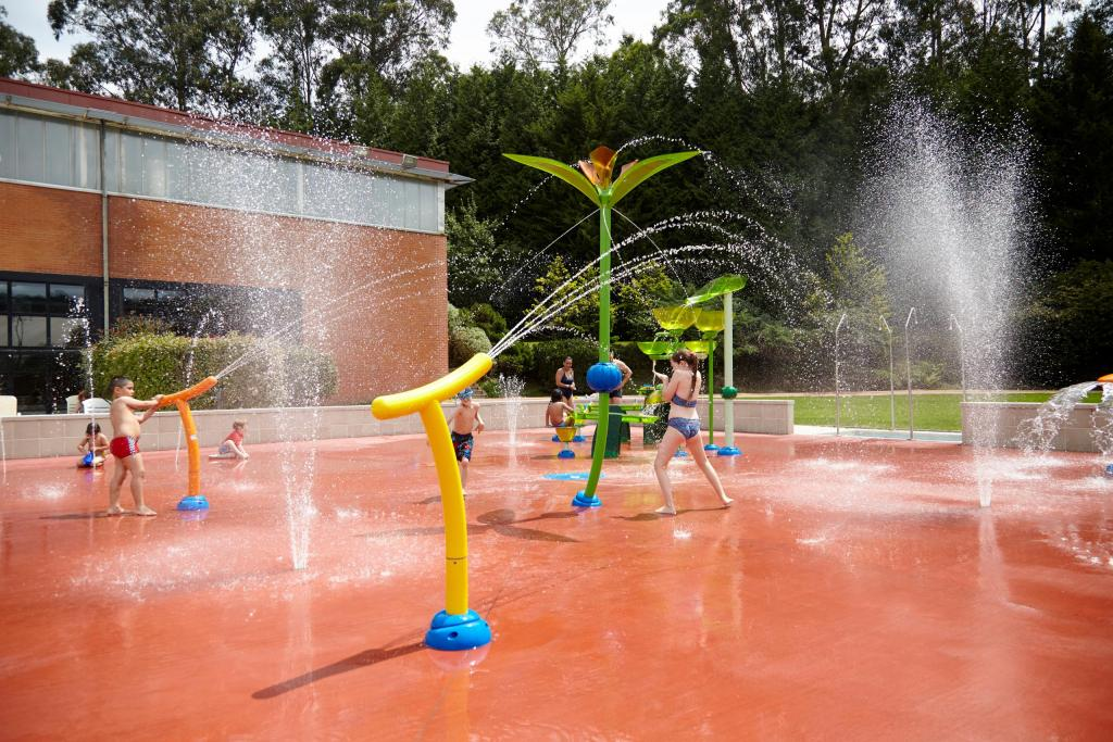 Vortex Aquatic Structure - Paco Yoldi Municipal Sports Center Project